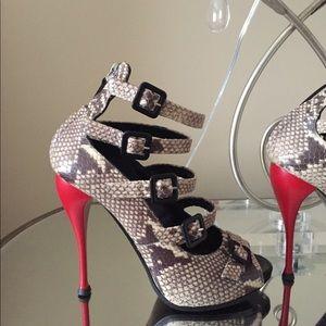 Brand New Giuseppe Zanotti snake skin sandals 38.5
